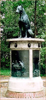 pavlov_statue