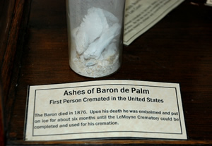 de Palm's remains